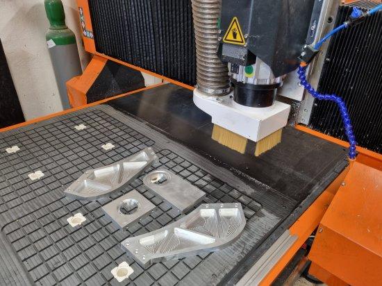 CNC frézka na obrábění hliníku