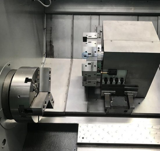 Detail einer CNC-Drehmaschine