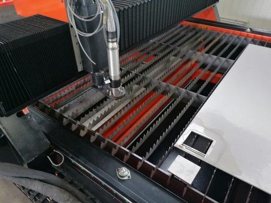 Vzorek výpalku z CNC plazmy Raptor