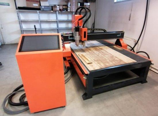 Profesionální CNC frézka na dřevo